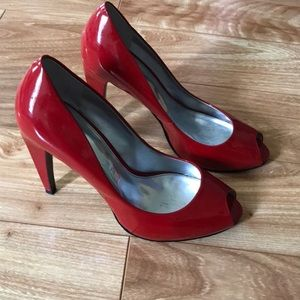Red patent leather pumps, Marc Fisher